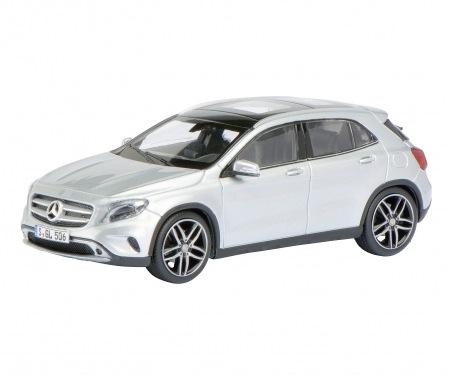 Mercedes-Benz GLA, silver metallic