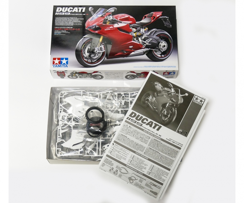 112 Ducati 1199 Panigale S Motorcycles Plastic Models Tamiya Scale Kits