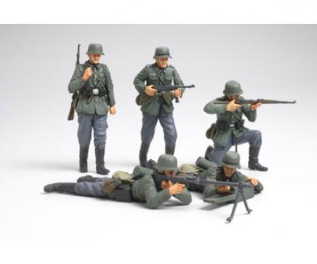 1:35 WWII Fig-Set Ger.Infant. French (5)