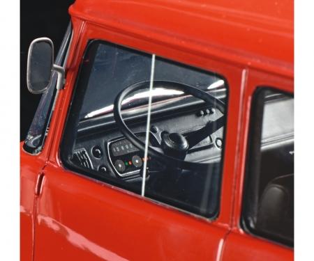"""Opel Blitz Renntransporter """"Porsche"""" 1:18"""