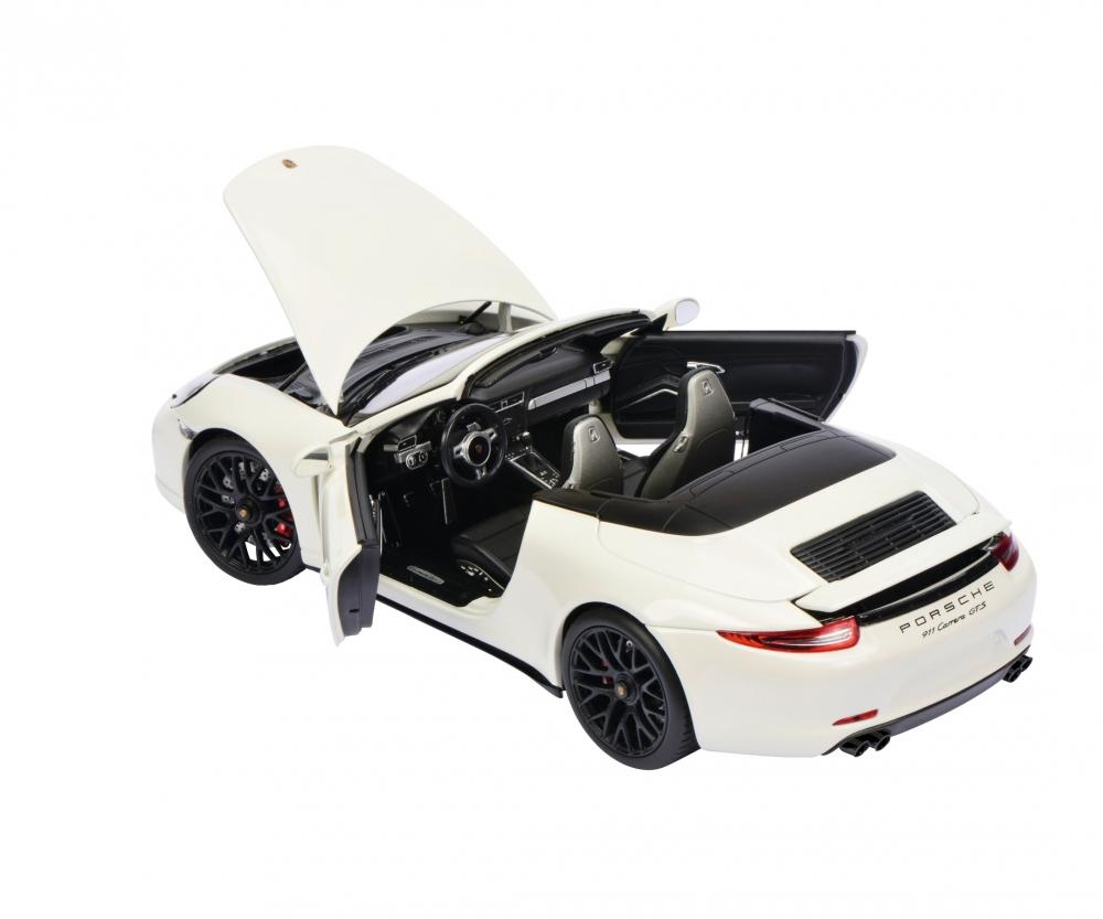 weiß Schuco 1:43 Porsche 911 Carrera GTS Cabrio mit Verdeck