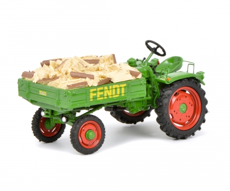 "Fendt Geräteträger GT with fire wood load ""Scheitholz"" 1:43"