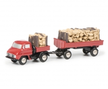 Unimog U411 pick-up with trailer und wood load