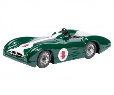 Studio III #8, british racing green