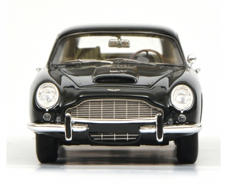"Aston Martin DB6 ""Shooting Brake"", dark green, 1:43"