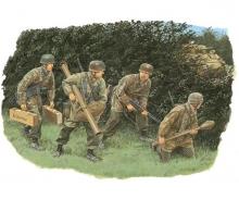 1:35 Hedgerow Tank Hunters