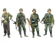 1:35 German Fighting Elite in the East