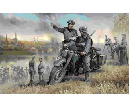 1:35 WWII Ger.Krad R12 w/ Crew (2)