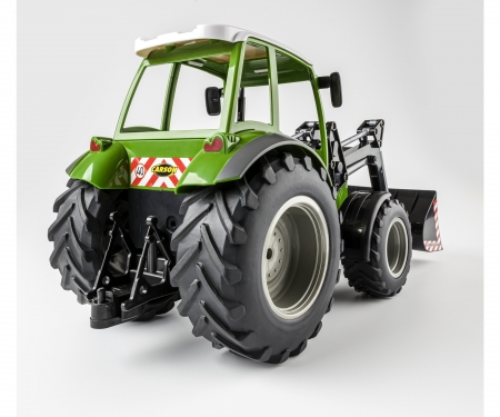 carson 1:16 RC Tractor w. font loader 2.4G 100%