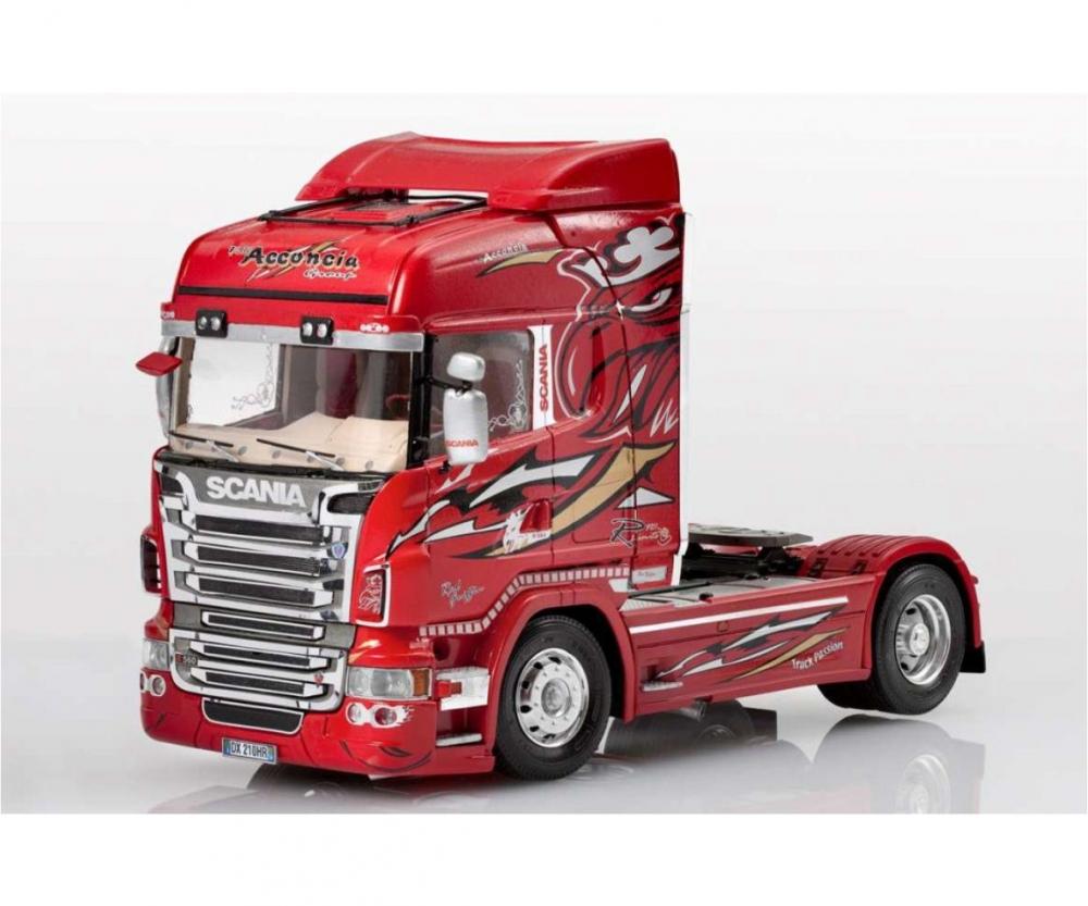 Italeri 3882 1//24 Model Show Trucks Kit Scania R560 V8 Highline Red Griffin