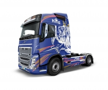 carson 1:24 Volvo FH4 Globetrotter /Medium Roof