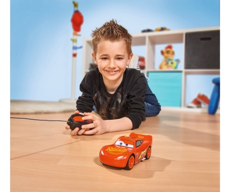 DICKIE Toys RC Cars 3 Lightning McQueen Single Drive 1:32