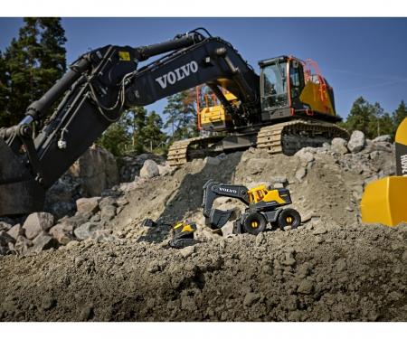 DICKIE Toys Volvo On-site Excavator