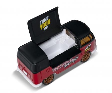 majorette Tune Ups Volkswagen T1 Food truck - Model of the year 2021 + Collectors box