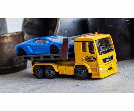 majorette MAN Tow Truck with Lamborghini Aventador