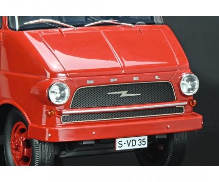 "Opel Blitz racing transporter ""Porsche"" 1:18"