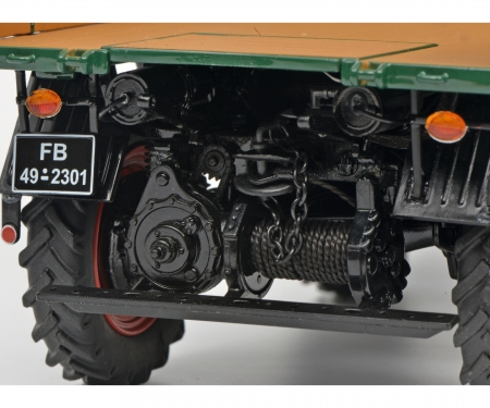 Mercedes-Benz Unimog 401, green, 1:18