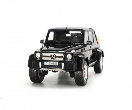 schuco Mercedes-Maybach G650 Landaulet, black, 1:18