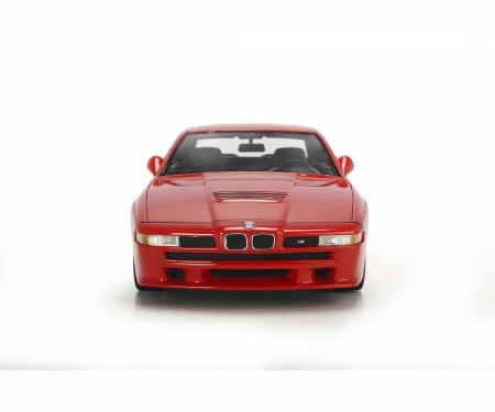 schuco BMW M8, rot, 1:18