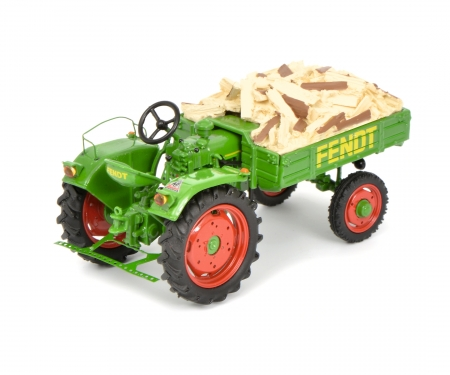 "schuco Fendt Geräteträger GT with fire wood load ""Scheitholz"" 1:43"