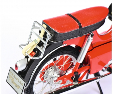 schuco Kreidler Florett with Legshield red-black 1:10