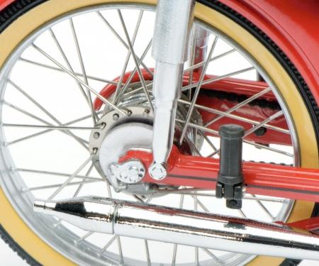 schuco Victoria Avanti, red-black, 1:10
