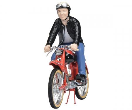 Victoria Avant with rider 1:10