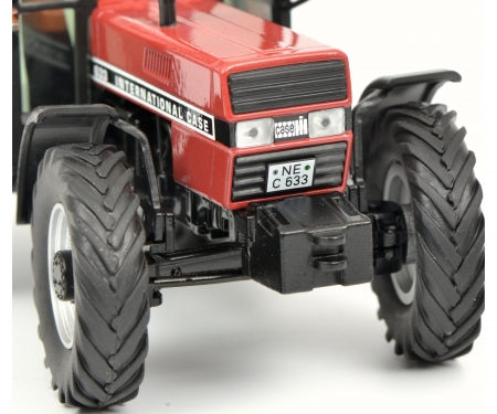 schuco Case International 633 mit Kabine, rot 1:32