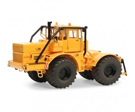 schuco Kirovets K-700 A yellow 1:32