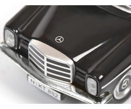 schuco Mercedes-Benz /8 TAXI 1:87