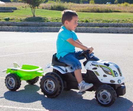 smoby Šlapací traktor Cow Farmer XL s vozíkem