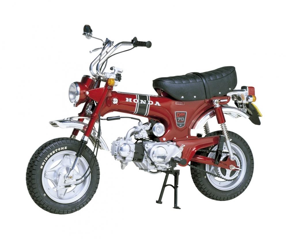 1 6 motorrad honda dax bausatz motorr der 1 6 plastik. Black Bedroom Furniture Sets. Home Design Ideas