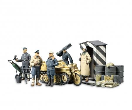 tamiya 1/48 Luftwaffe &Kettenkraftrad