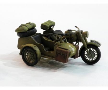 tamiya 1:48 WWII German Motorcycle&Sidecar (2)
