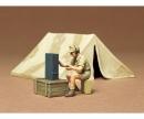 tamiya 1:35 WWII Diorama-Set Tent w/Radio(1)