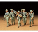 tamiya 1:35 WWII Fig.-Set MG-Crew Maneuver (5)