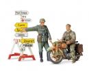 tamiya 1:35 Diorama-Set Motorcycle Orderly (2)