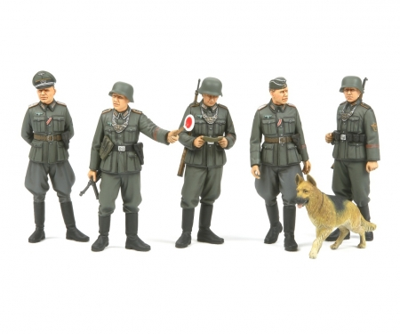 1:35 WWII German Field Police Set