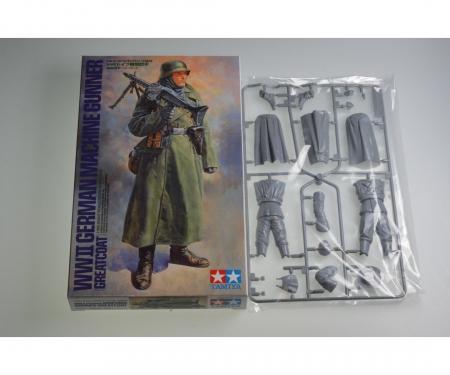 tamiya 1:16 WWII Figure Ger. Machine Gunner GC