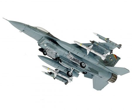 tamiya 1:72 F-16CJ w/FULL EQUIPMENT