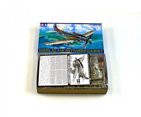 tamiya 1:48 USN Douglas A1-H Skyraider