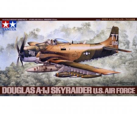 tamiya 1:48 WWII Douglas A-1J Skyrider USAF