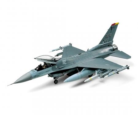 tamiya 1:48 Lockheed Mar.F-16CJ Fighting Falcon