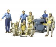 tamiya 1:48 US Navy Pilots w:Tug